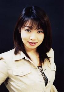 田 村 陽 子